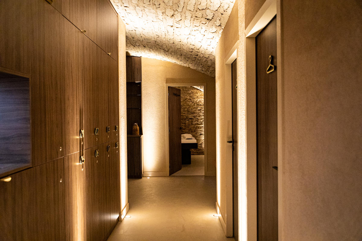 Spa Nuxe Beaune vaulted cellar intense relaxation